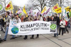 Ordner & Sicherheitskräfte für Demonstrationen