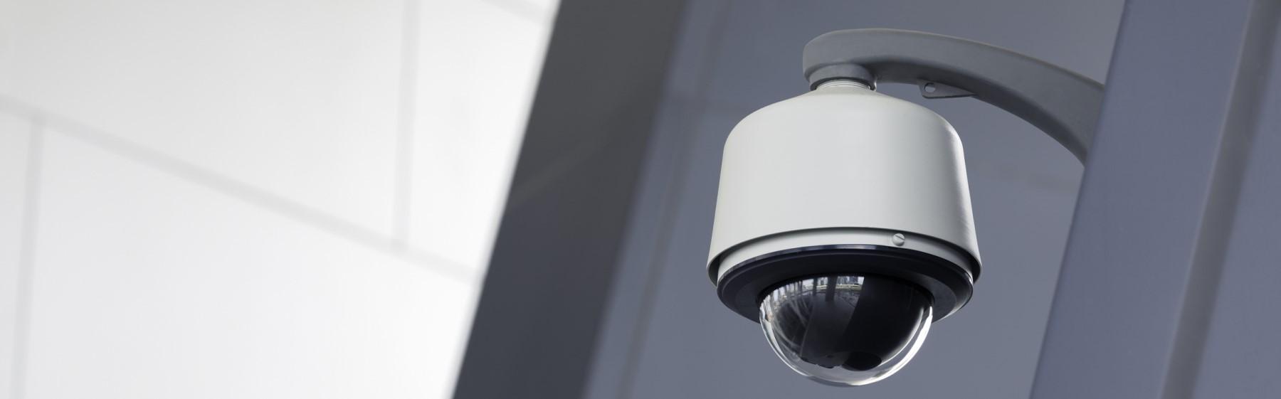 Sicherheitstechnik – private Häuser und Gewerbeeinrichtungen in der Urlaubszeit richtig absichern